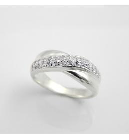Srebrny pierścionek z cyrkoniami (P 777)